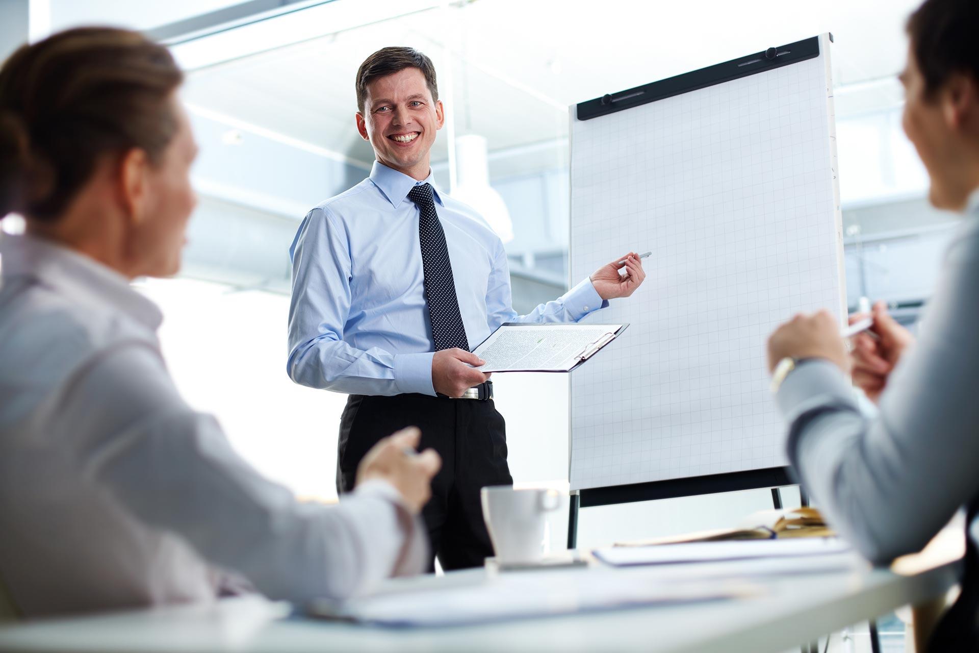 W nowoczesnych organizacjach szkolenia i rozwój personelu mają znaczenie strategiczne.